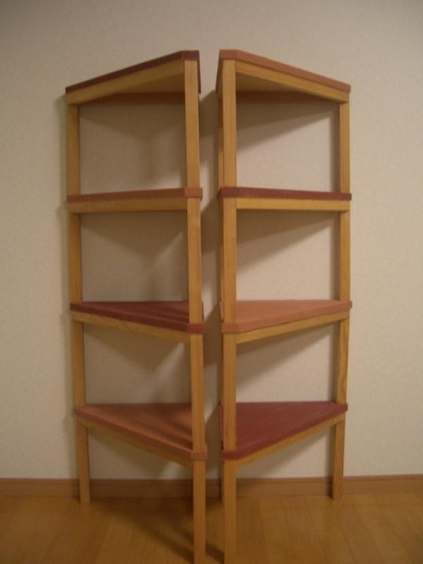 正面から見た木製棚