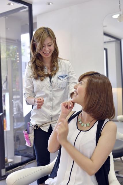 美容師と客