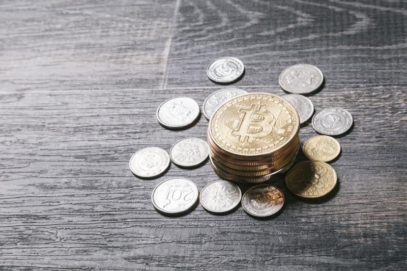 海外の通過とビットコイン収集