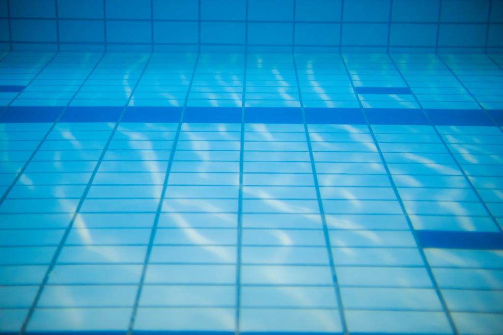 水泳と言えばプール、プールの水中