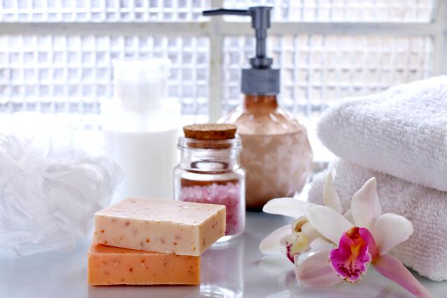ココナッツオイルを入浴中のスキンケアのために使う
