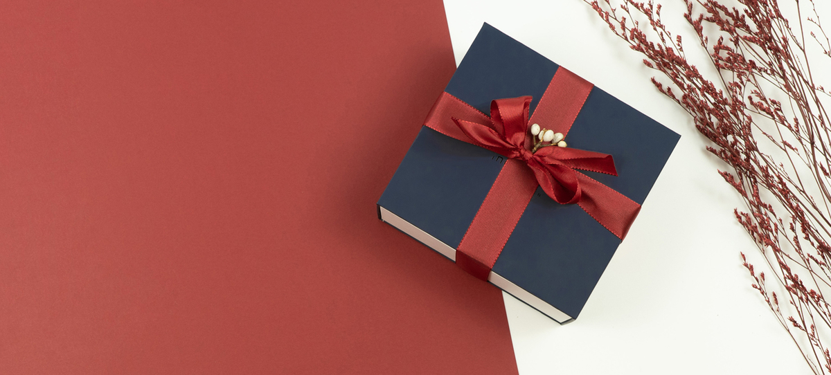 プレゼントにNordgreenの腕時計を考えてみてはいかがですか?