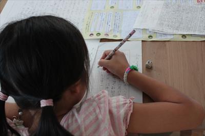 夏休みの宿題の読書感想文の書き方!?「小学校低学年はどう書く?」