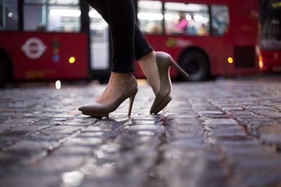 昔からの迷信!夜に靴をおろすのはダメな理由って何?