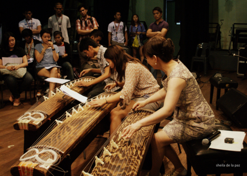 Ms. Kuniko with the koto students from UP College of Music