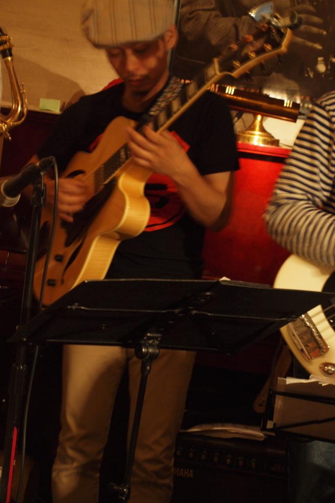 f:id:jazzpianobar:20170601015143j:plain
