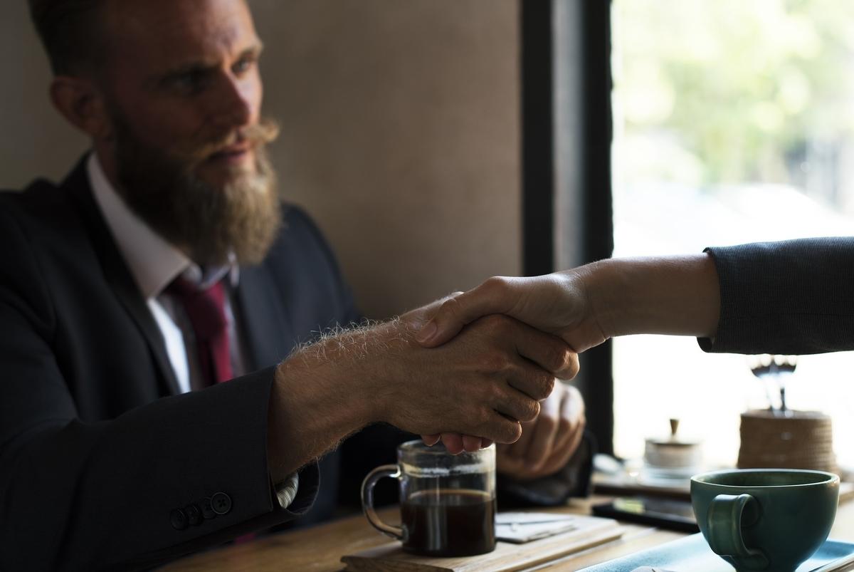 転職キャリアアップ - あなたが昇進に値する人材だと伝えるための5つの実用的なステップ