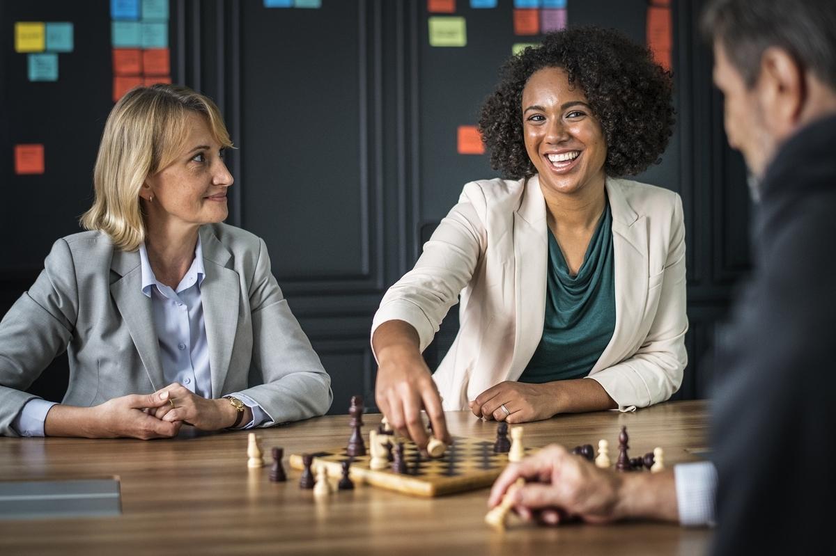 転職キャリアアップ - マネージャーとしてネガティブなフィードバックを建設的に行う10個のアドバイス