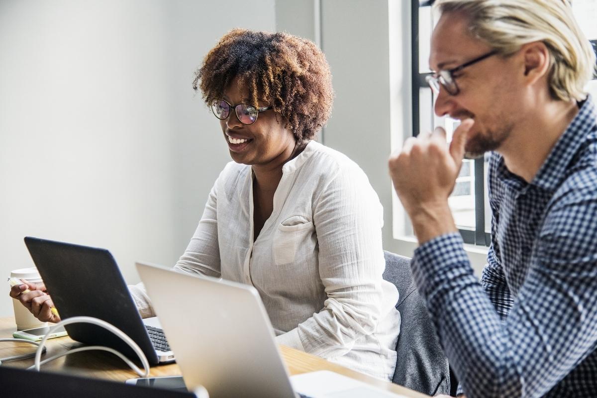 転職キャリアアップ - 転職活動で『社員紹介制度』を利用して企業へ応募する5つの方法