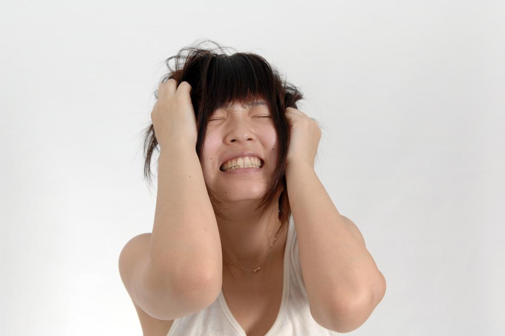 カンジダの痒みが慢性化して悩む女性
