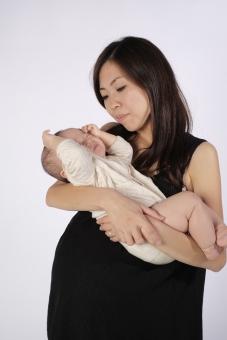 赤ちゃんを授かった女性