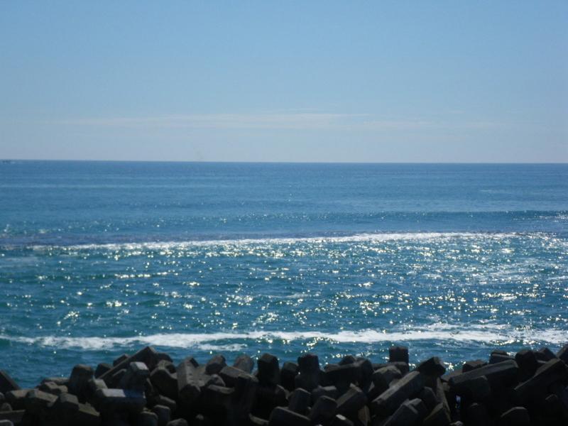 北海道虎杖浜アヨロ温泉旅館の前の海