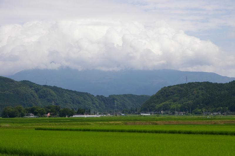 鳥海山 雲沸き立つ