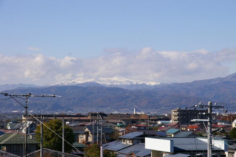 雪景色の月山です