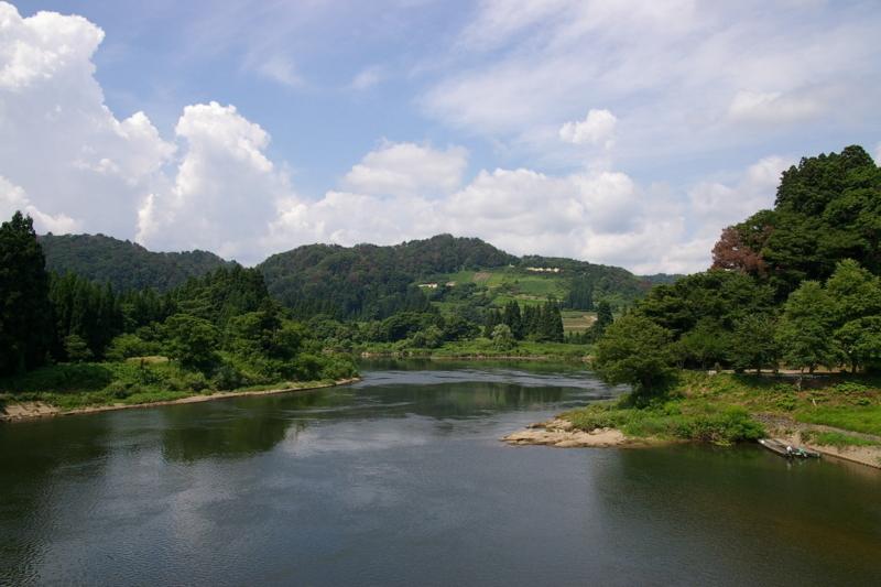 大石田川前橋から最上川を眺める