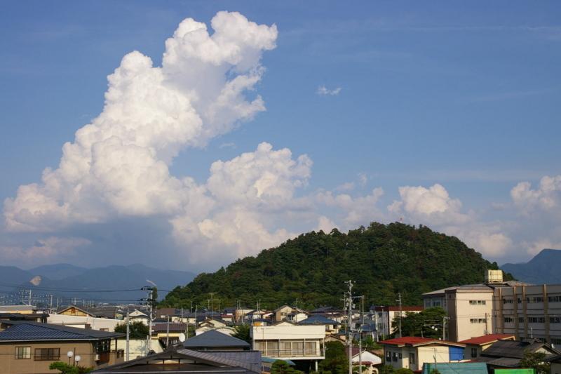若木山と入道雲