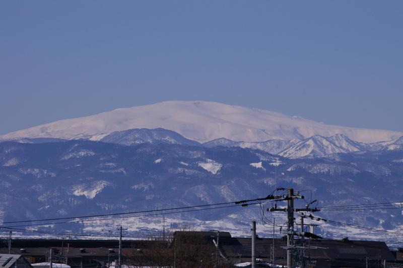 心が澄みきるかのような月山です。