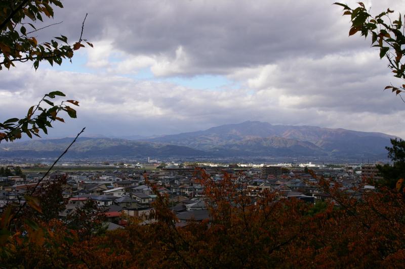 若木山から眺めた月山、葉山方面
