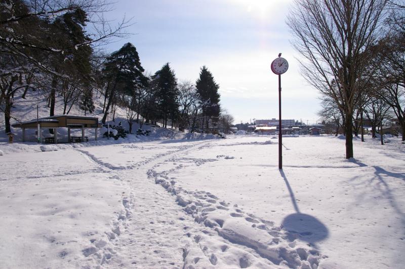 冬の白銀の若木山公園
