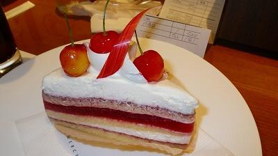 グラマシーニューヨークで「佐藤錦のショートケーキ」