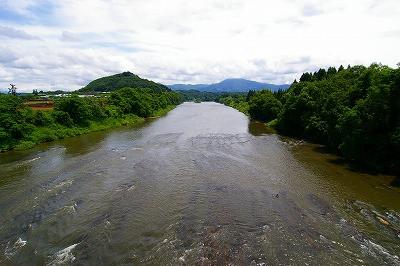 最上川 大淀の流れと三ヶ瀬の流れ