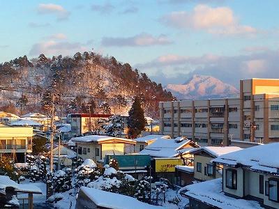 0こちらは村山の母なる山、甑岳です。