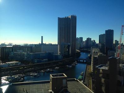 この写真は翌日の朝にホテルから撮った芝浦の眺めです。