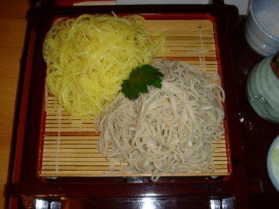 山形蕎麦の名店 梅蕎麦さんの「二色せいろ」と「十割そば」です。