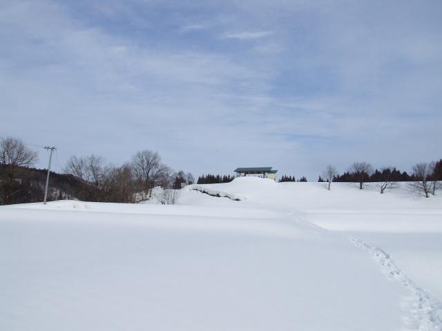 振り返ると、遥かなる雪原が広がっていた