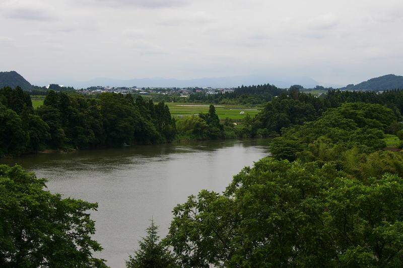 「大淀の流れ 万緑に最上川