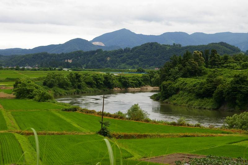 「田園を流れる最上川」村山市