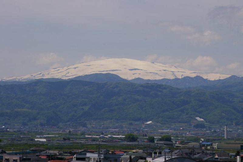 若木山からの月山の眺め