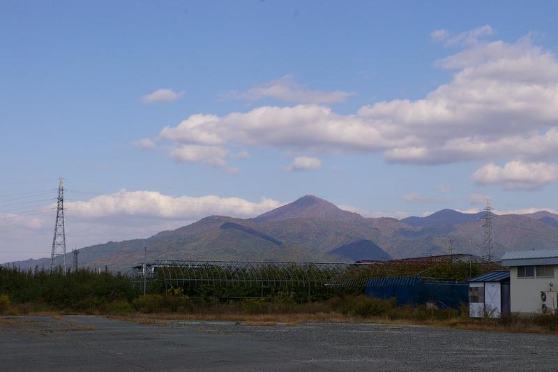 神町西から眺めた甑岳