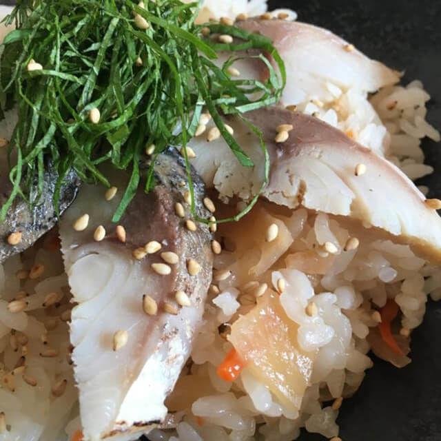 「かば田 炙りしめさば」ちらし寿司は大人の贅沢。脂がのった肉厚鯖をさっぱりと