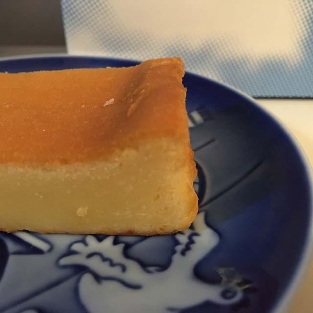 「新しい地図」の「CHI-ZU CAKE(チーズケーキ)」は、お値段以上のおいしさ