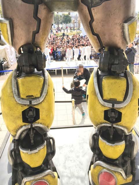 映画「バンブルビー」公開記念!2019年3月末頃までダイバーシティ東京にトランスフォーマーシリーズで大人気のキャラクターバンブルビーの等身大立像展示中