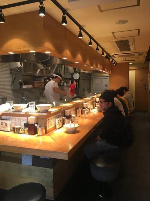 「つじ田 味噌の章 飯田橋店」の味噌らーめん 店内写真