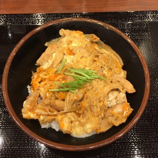 丸亀製麺の親子丼|一部店舗のみ限定販売のファンが多い隠れ人気メニュー