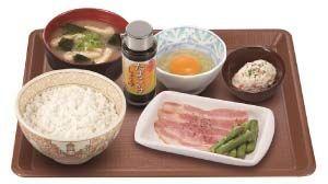 すき家の「豚生姜焼き朝食」は期間限定メニュー。販売期間は不明