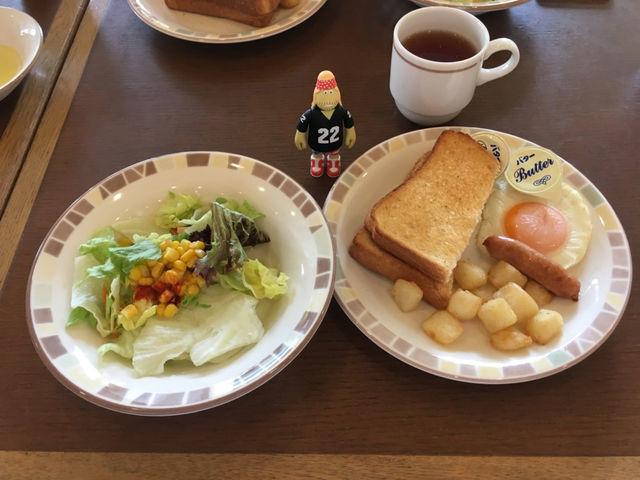 【日本で3店舗だけ】サイゼリヤのモーニングは、トースト+目玉焼き+ポテト+サラダ+ドリンクバーで399円!お得すぎるぜ!