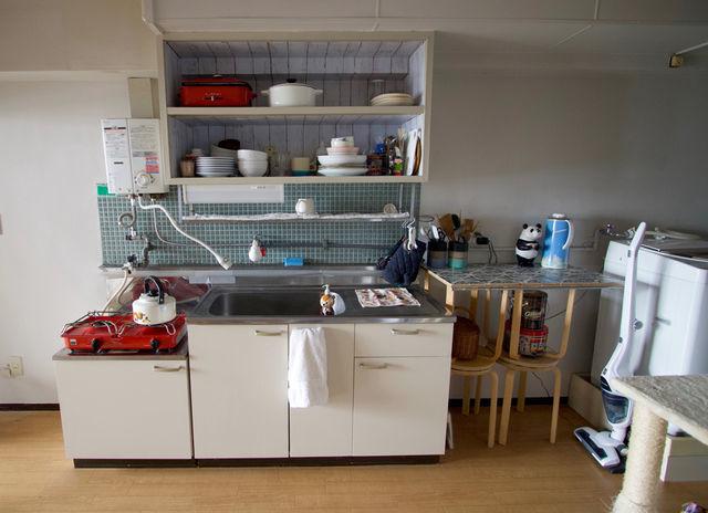 朝日新聞DIGITALでリノベーション前の我が家のキッチンが掲載されています