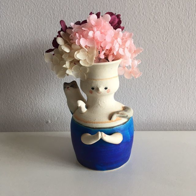 足田メロウ ミニマリストだけどアートを飾る:一点モノの一輪挿しにブリザーブドフラワー