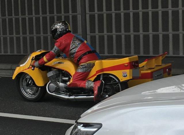 昭和の特撮「人造人間キカイダー」のレプリカバイクが公道を走ってる!?最高の完成度を見よ!!