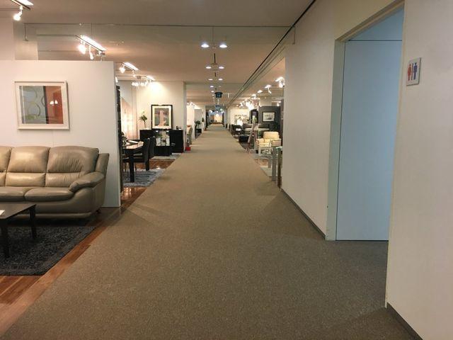 大塚家具の有明豊洲エリア国際展示場ショールームが無人すぎてやばい