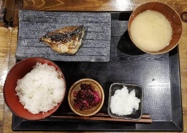 しんぱち食堂朝定食|さば文化干し定食は、炭焼きで脂が乗ってうまみ抜群