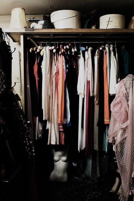 洋服を断捨離するヒント|捨てる?残す?処分に悩んだ時の4つのチェック項目