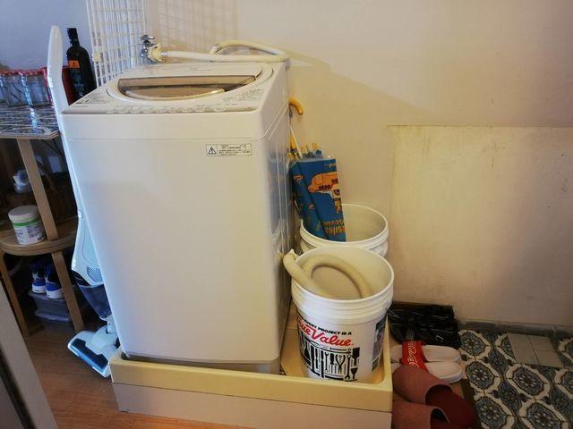 洗濯パンがゆがんでいるから交換して欲しい+排水がないからつけて欲しい