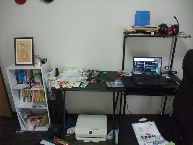 汚部屋片付け実録その6:パソコンデスクの使いやすい銅線を確保