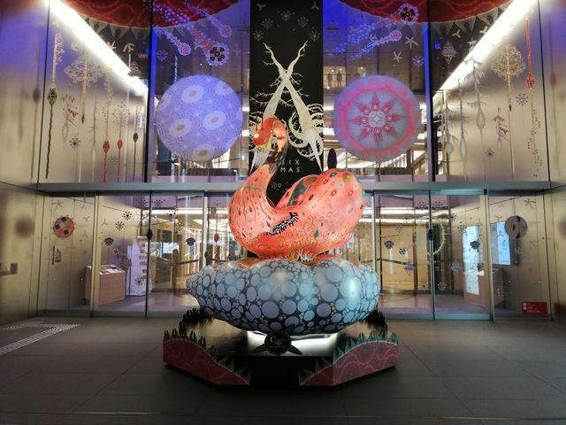 「ギンザ シックス(GINZA SIX)」店内のメイン展示もクリスマス仕様に模様替え中