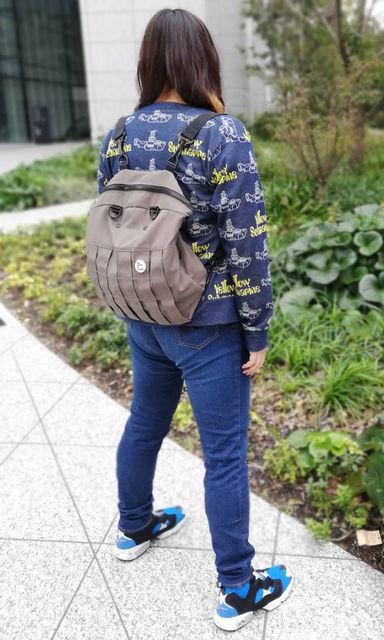 「ニッセン トールサイズ すごく伸びるデニムスキニーパンツ」バックスタイル着用画像